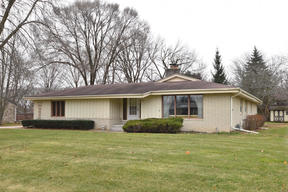 Brown Deer WI Single Family Home SOLD: $175,000