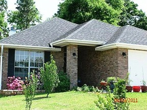 Residential Closed: 28408 Chateau Drive