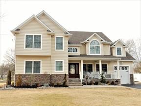 Single Family Home For Sale: 45 Tudor Drive