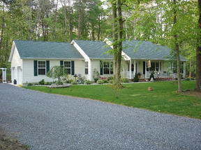 Residential Closed: 26034 Holly Lane