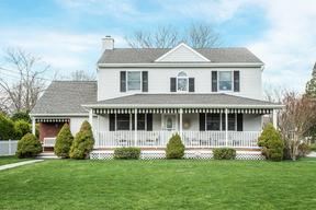 Single Family Home For Sale: 611 Cedarcrest Drive