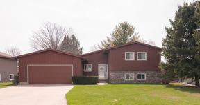 Residential Sold: 303 Grandview Dr