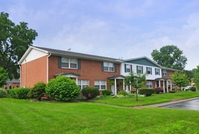 Townhouse Lease Pending: 504 Plaza Drive