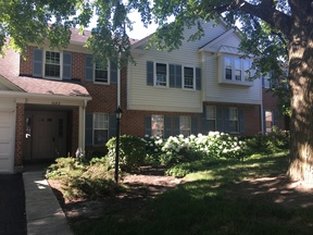 Condo/Townhouse Sold: 1602 Warwick Ct #B1