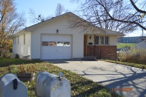 Single Family Home Sale Pending: 150 Elm