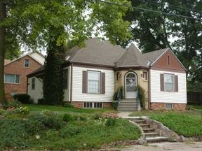 Single Family Home Sold: 912 Mohawk