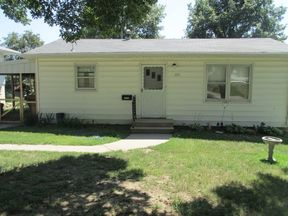 Single Family Home Sale Pending: 833 2nd
