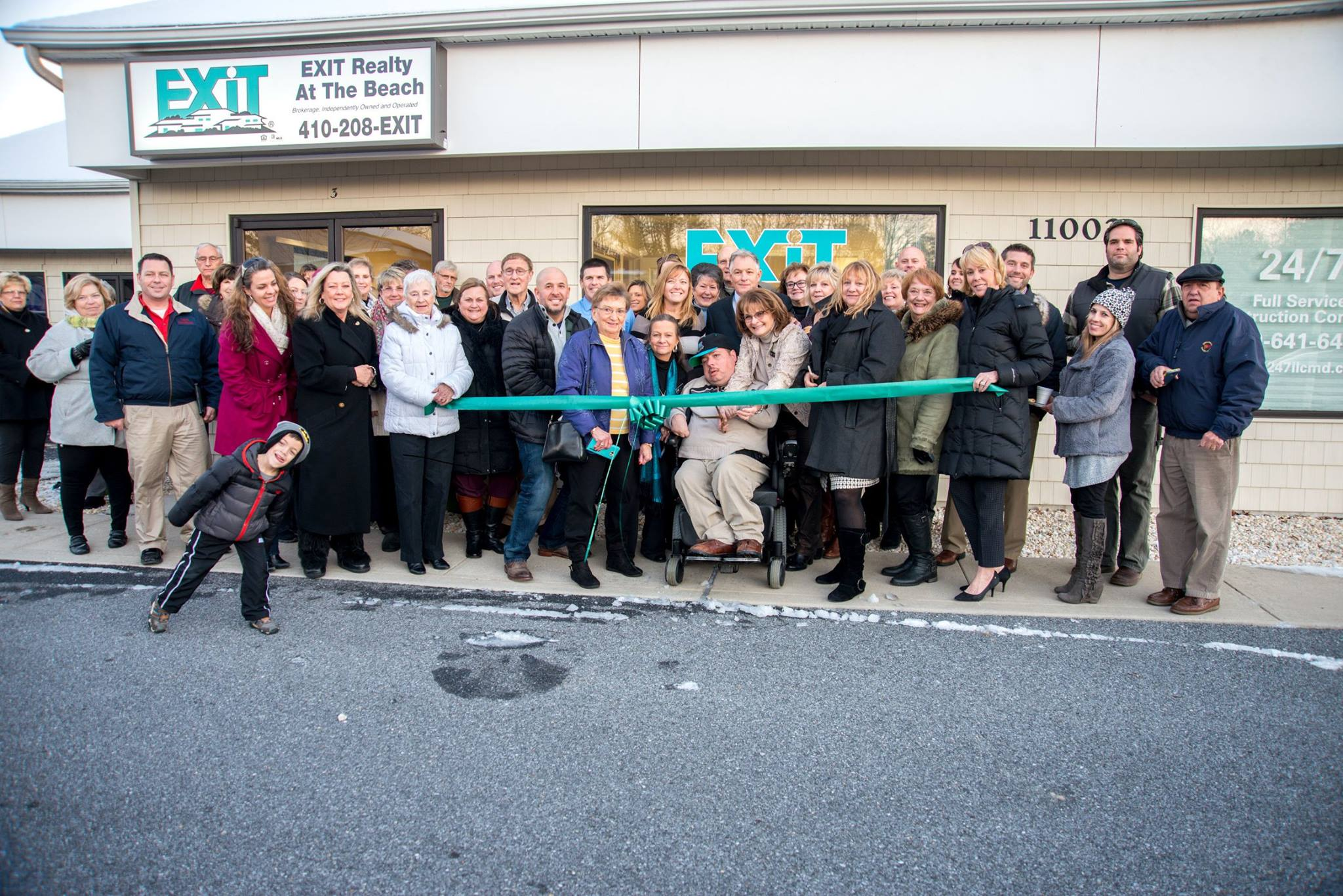 Bernie Flax and Exit Realty At The Beach's Grand Opening