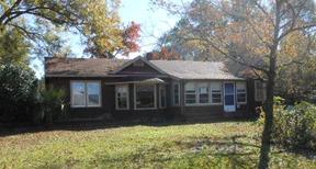Rental Rented: 700 Oakwood Dr.
