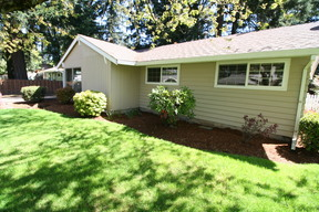 Portland Single Family Home For Sale: 722 SE 137th Ave
