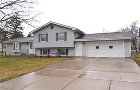 Single Family Home Sold: 406 Hilltop Dr