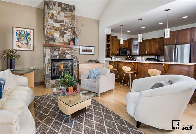 Steamboat Emerald Height living areas