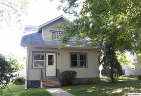 Single Family Home Sold: 207 S 4 St,