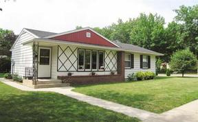 Single Family Home Sold: 600 SE Augusta Av