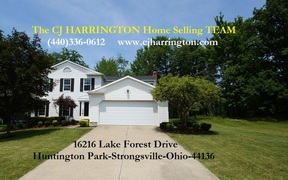 Strongsville OH Single Family Home Sale Pending: $219,900