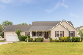 Ooltewah TN Single Family Home buyers agents: $245,000