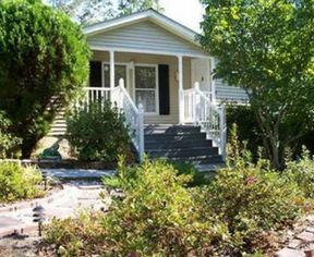 Single Family Home buyers agents: 9829 Moore Rd