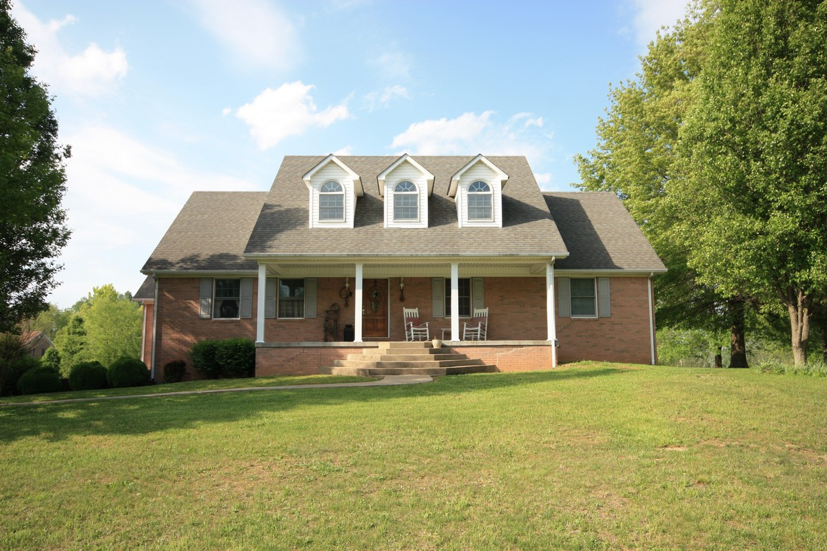 Brick home sold at auction Leitchfield KY