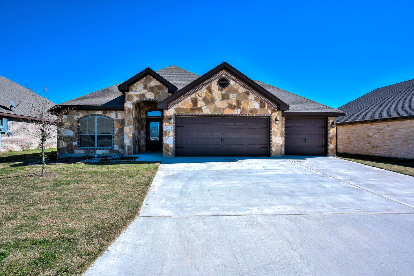 3 Car Garage Home for Sale Temple TX