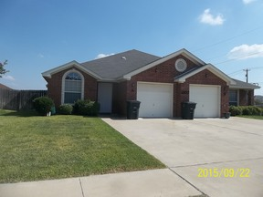 Single Family Home For Rent: 2107 Charleston Ct #B