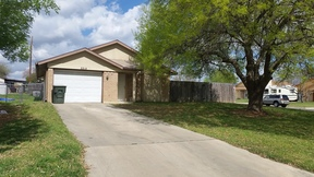 Single Family Home For Rent: 2215 Coach Dr