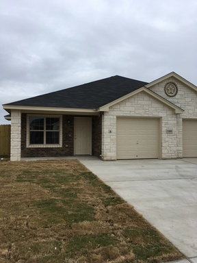 Multi Family Home For Rent: 1309 Vanguard #A