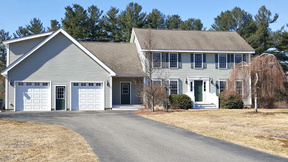Litchfield NH Single Family Home Sold: $414,900