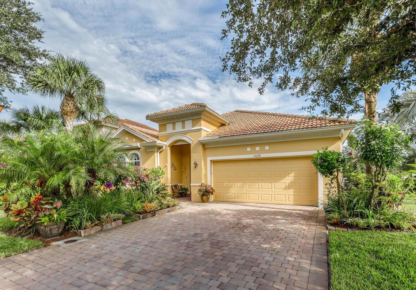 10274 Cobble Hill Road in Cobblestone at Hawthorne in Bonita Springs FL