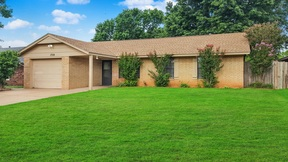Single Family Home Sold: 1728 Briarwood Dr.