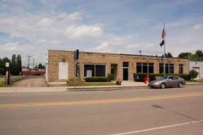 Commercial For Lease: 19 East Main St.