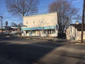 Commercial For Lease: 613 N Main St.