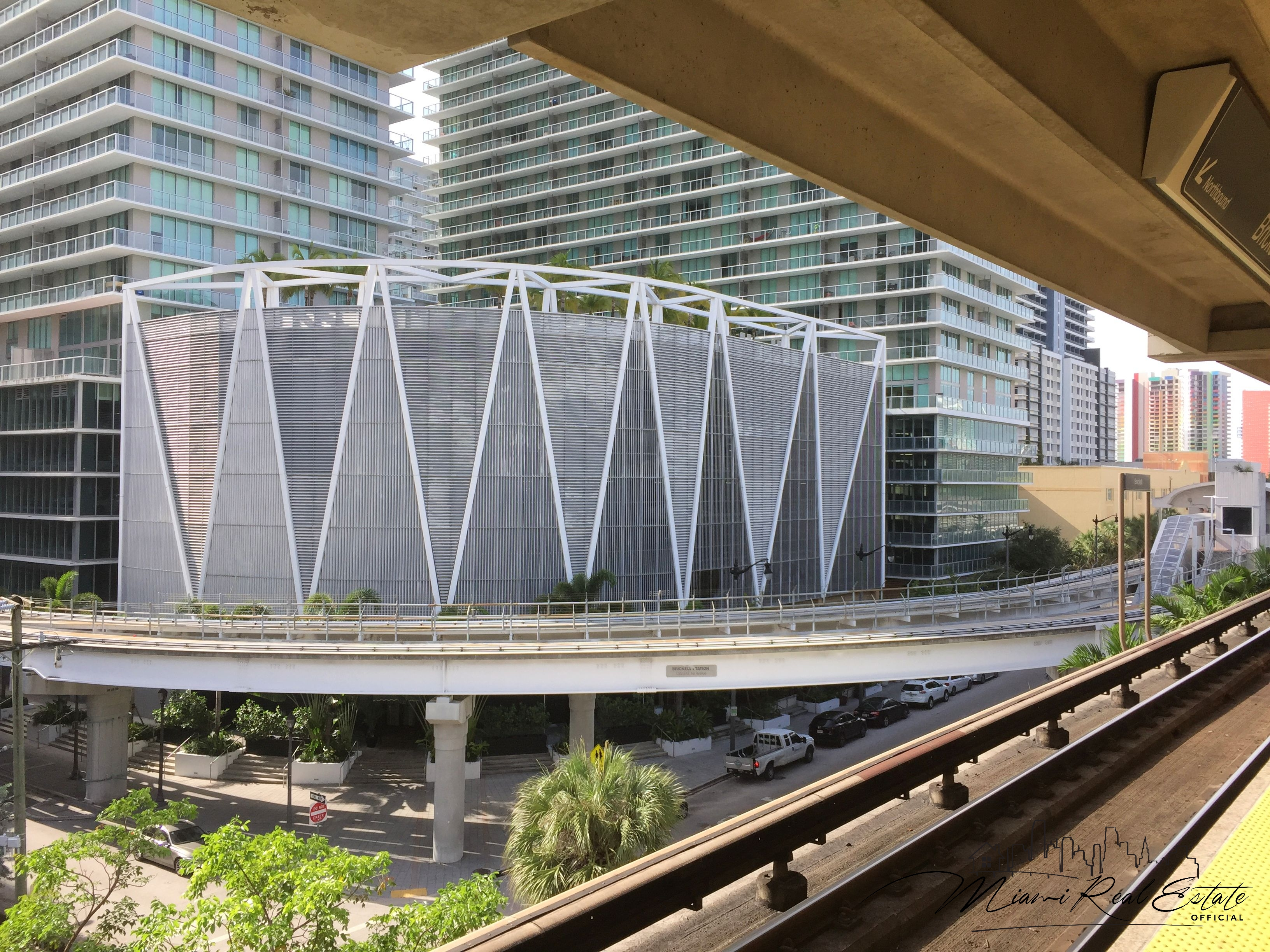 axis brickell metro mover