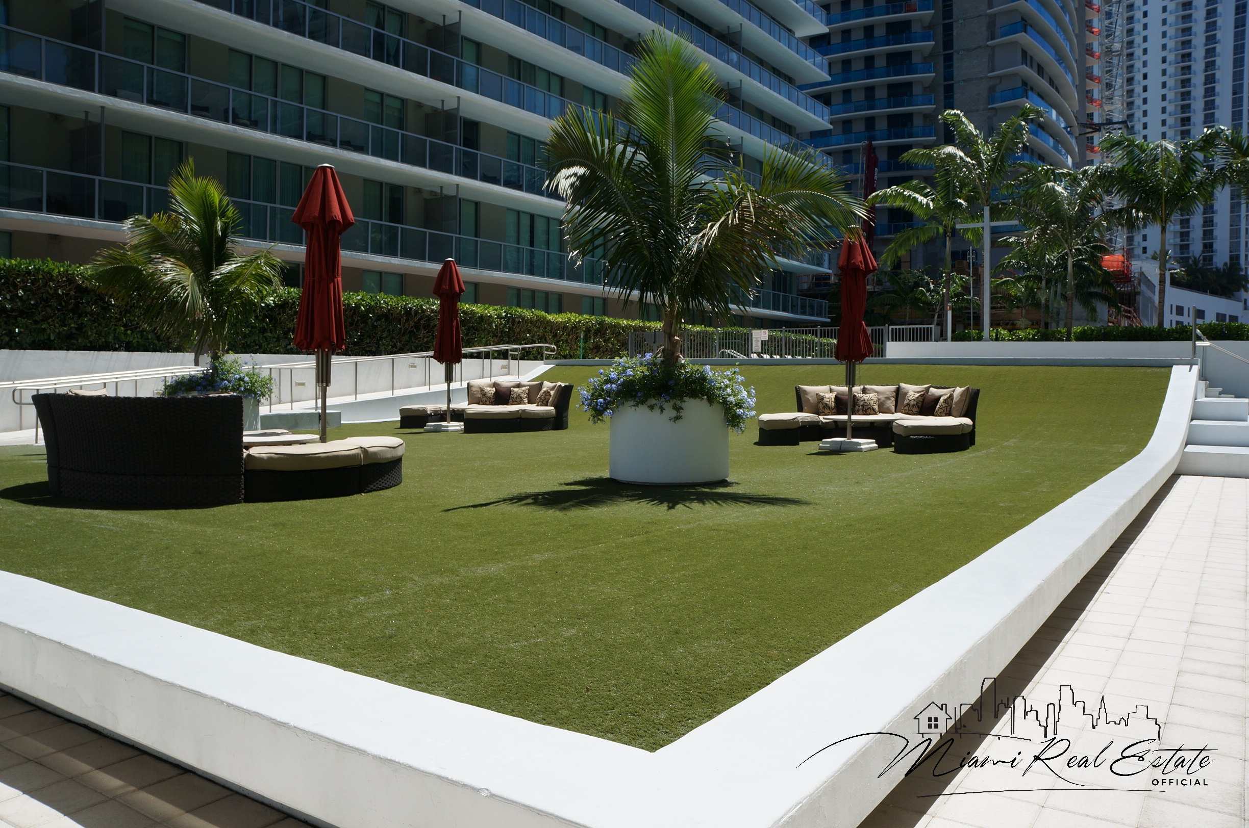 axis brickell sun bathing
