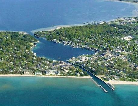 Homes for Sale in Charlevoix, MI