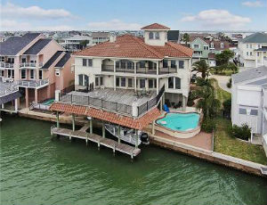 Homes for Sale in Tiki Island, TX