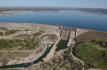 folsom lake and dam