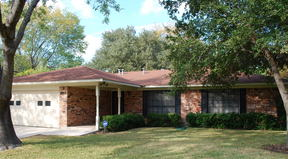 Single Family Home Sold: 3910 Deer Trail