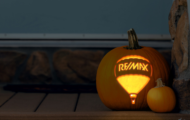 New to the 'Hood? Top Tips to Welcome Trick-or-Treaters