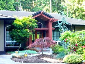 Single Family Home Sold: 282 Oak Shore Dr