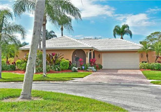 Homes for Sale in Gulf Gate East, FL