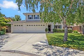 Single Family Home Sale Pending: 261 Ali Ct