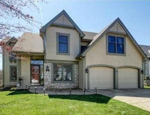 Homes for Sale in Lake Waukomis, MO