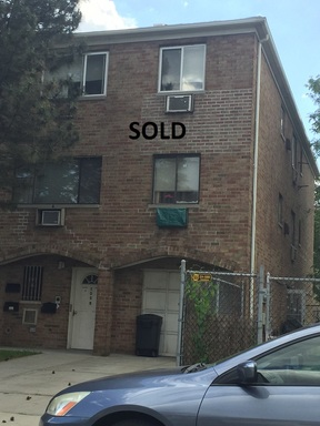 Multi Family 2-4 Sold: 1059 Huntington Ave