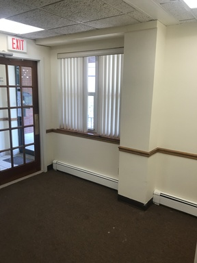 Yonkers NY Commercial For Rent: $3,000