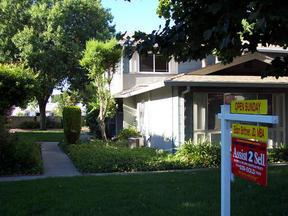 Residential Sold: 1453 Del Rio Circle B