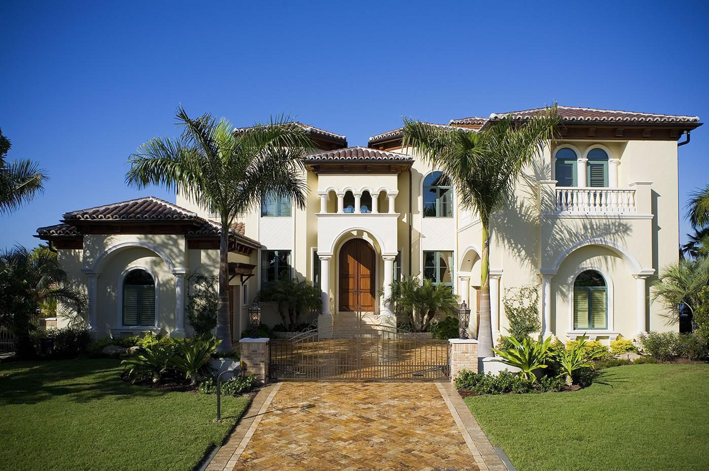 Homes for Sale in PEMBROKE PINES, FL