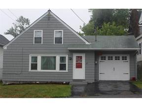 <b>SELLER SAVED $1,260</ Sold: 85 Hill Street