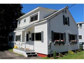 <b>SELLER SAVED $3,780</ Sold: 12 Bradley Street