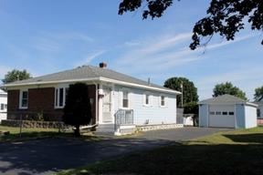 <b>SELLER SAVED $3,271</b Sold: 29 Herring Avenue Ext