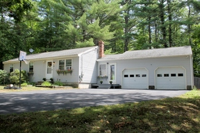 <b>SELLER SAVED $4,120</ Sold: 44 New Road